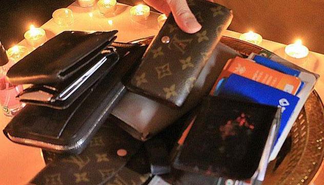 กระเป๋าสตางค์ พิธี ดีปาวลี